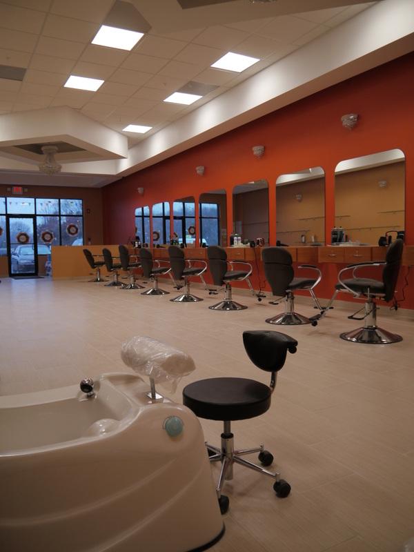 Nanak tip top nail salon for Salon construction